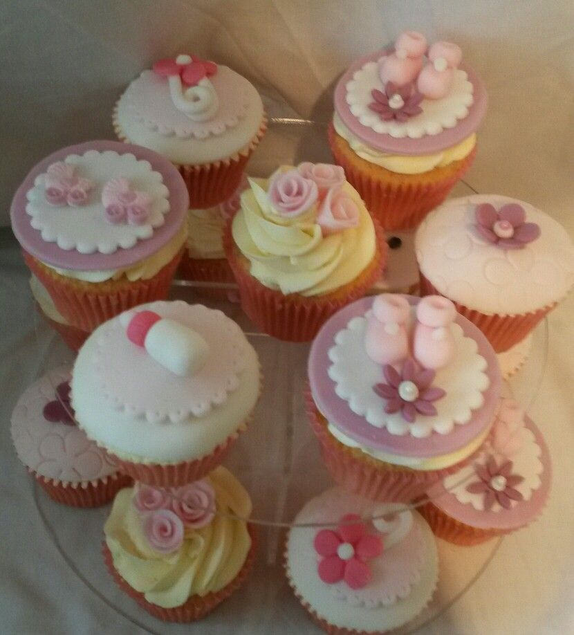 My niece just had baby girl so I made her some cupcakes