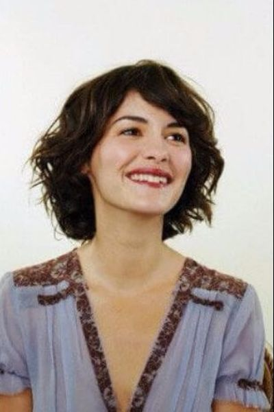 Playful French Bob For Wavy Hair Short Wavy Hair Bob Hairstyles For Thick Short Hair With Bangs