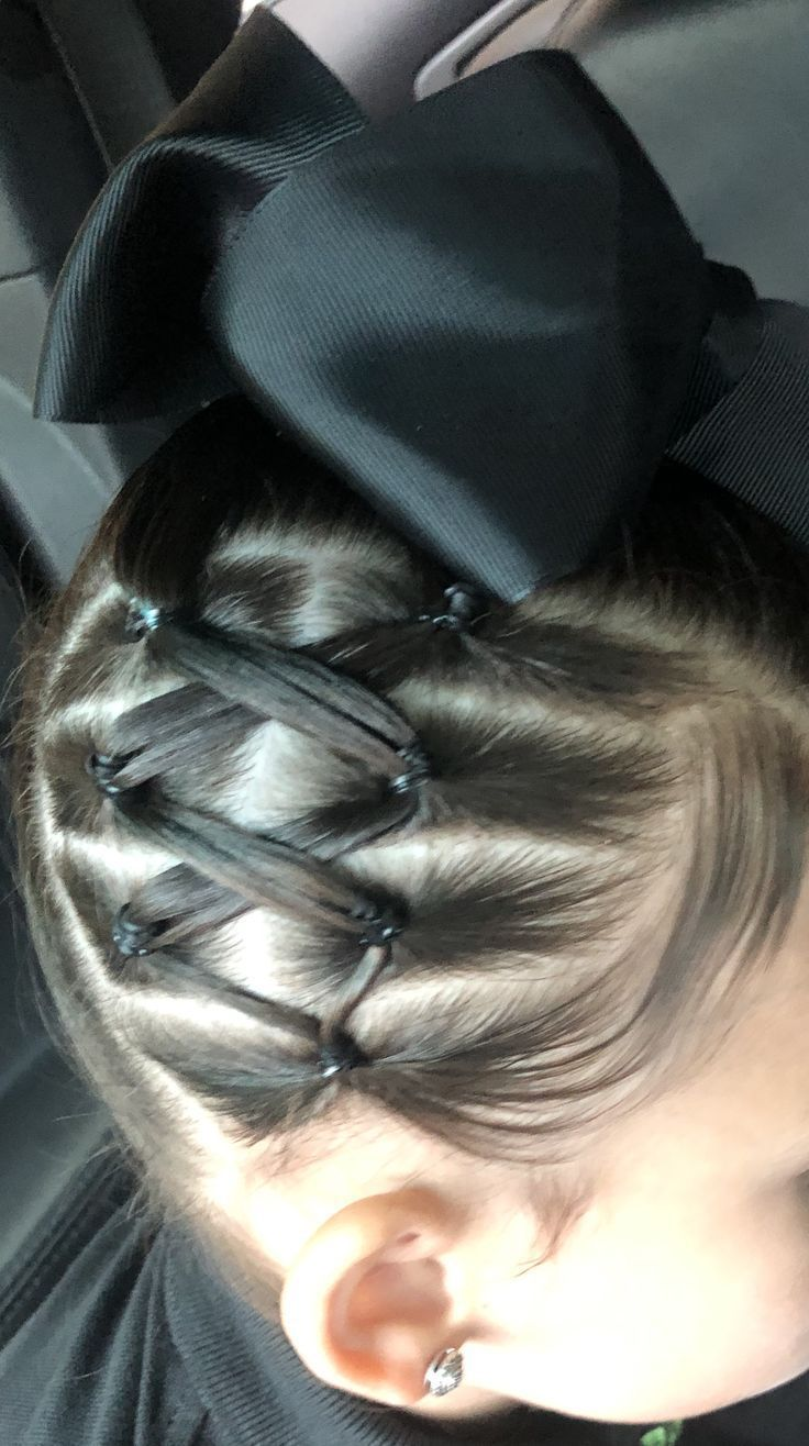 First day of school hairstyles #ponytailhairstyles First day of school hairstyles