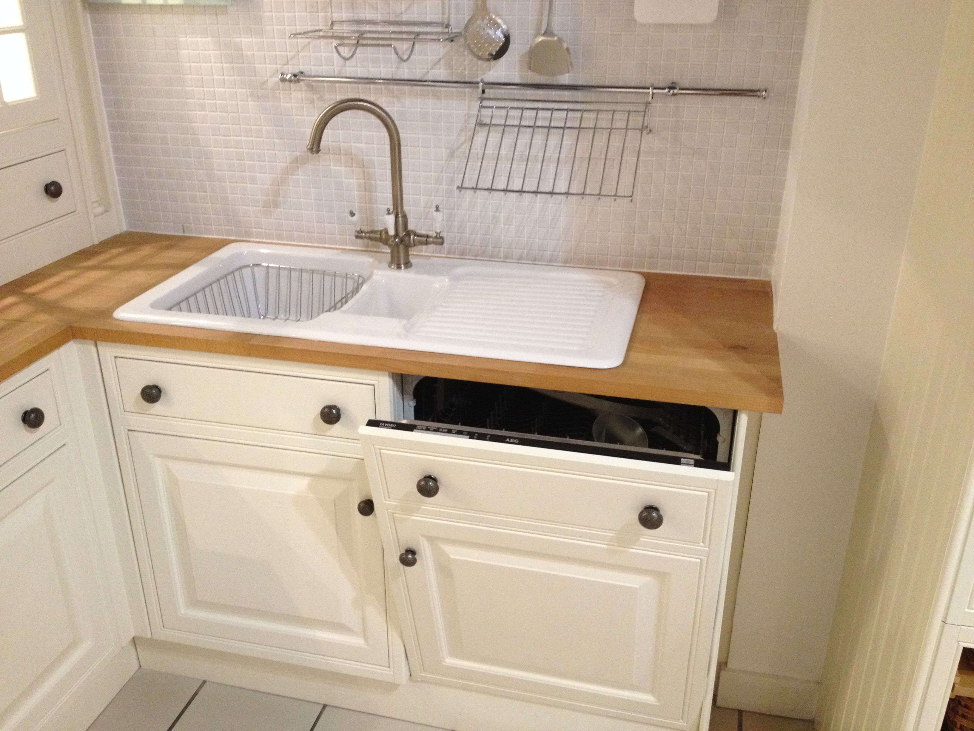 Like The Placement Of The Dishwasher Directly Under The Sink Draining Board Diy Kitchen Remodel Affordable Furniture Stores Under Sink Dishwasher