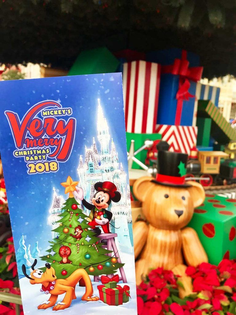 Mickeys Very Merry Christmas Party 2018.Our Guide To Mickey S Very Merry Christmas Party In 2019