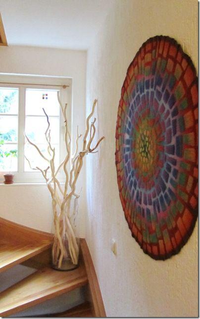 mosaik im treppenhaus diy store holz filzen anregungen mosaik kreativ und kreativ tagebuch. Black Bedroom Furniture Sets. Home Design Ideas