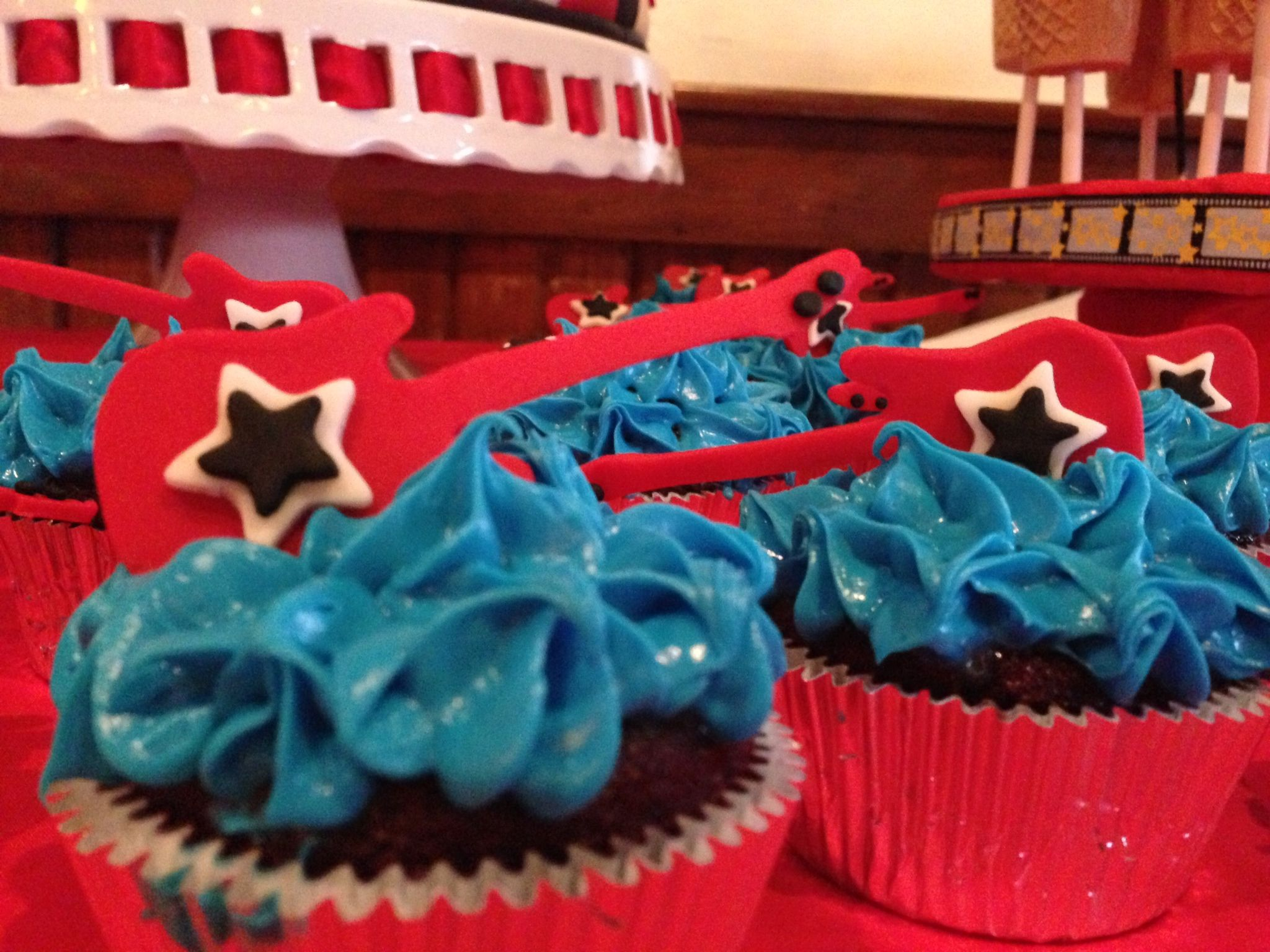 Rock and Roll cup cakes wwwtrendyfunpartycom AtlantaGA Rehans