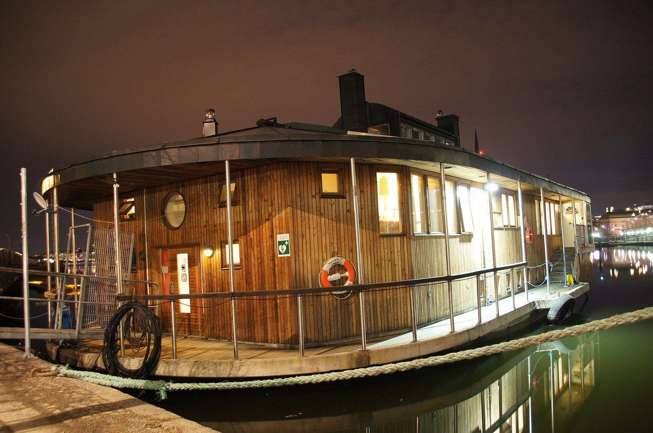Building a Houseboat - Build a Houseboat | houseboat in 2019