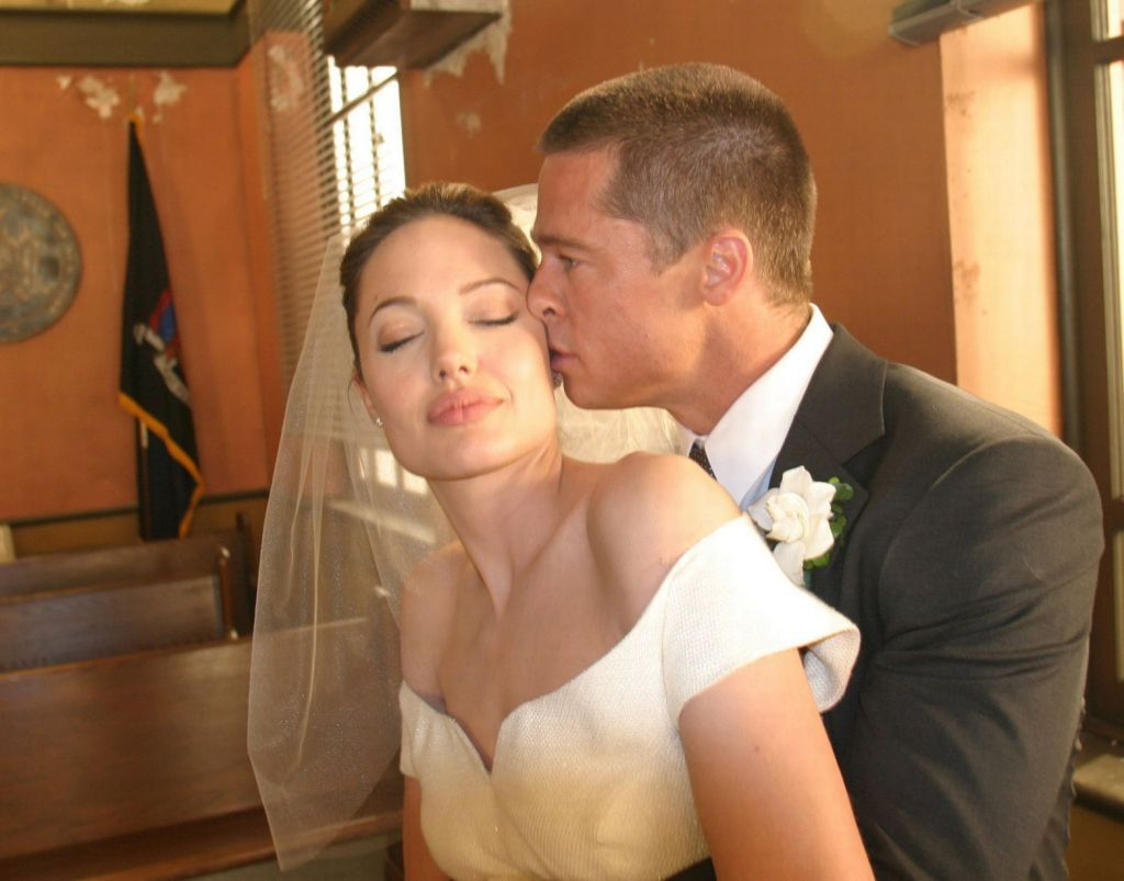 Angelina Jolie'nin gelinliği | elitstil #wedding #weddinggown #bridal #bridalgown