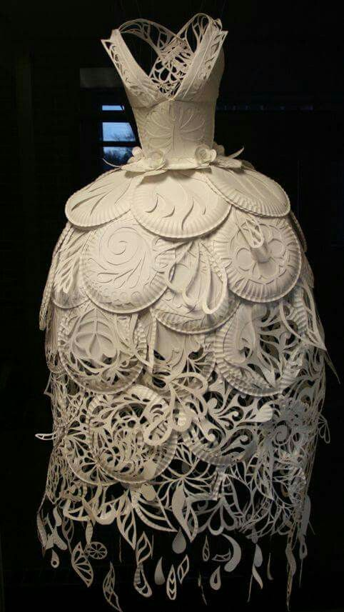 Gorgeous Paper Plate Dress By Ali Ciatti Paperart Recycled Dress