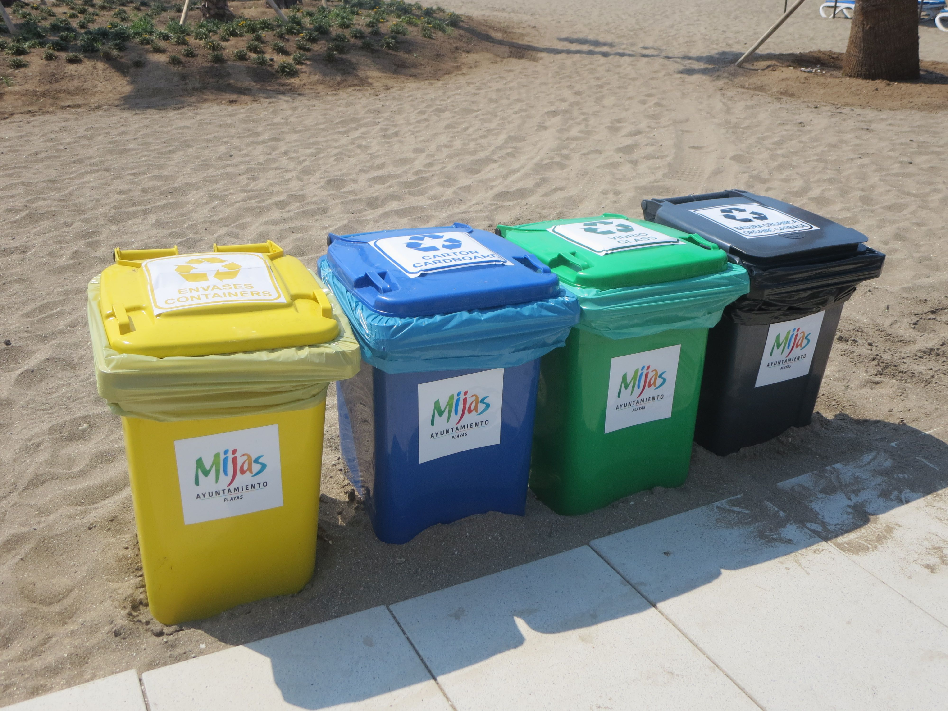 colors spain waste bins   Waste Containers   Pinterest