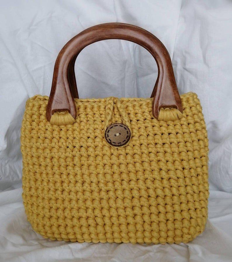 Yellow Crochet Bag With Wooden Handle Etsy Bolsas Exclusivas Alca De Bolsa Bolsas De Praia De Croche