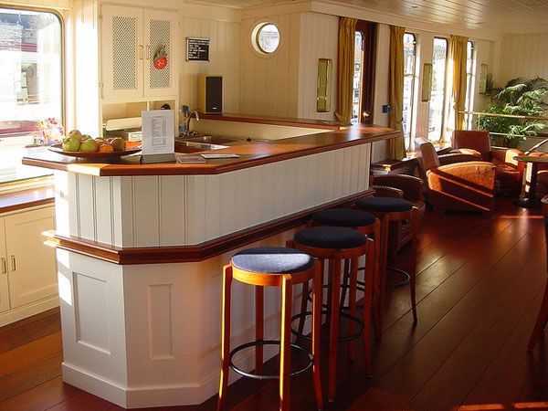 31 Hassle Free Home Bar Ideas - SloDive Revamping the home
