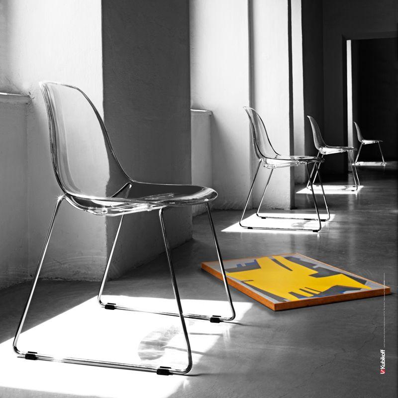 Chaise Pieds Traineau En Metal Finition Chrome Assise Coque Ultra Transparente En Polycarbonate Mobilier Italien Mobilier Design Chaise Empilable