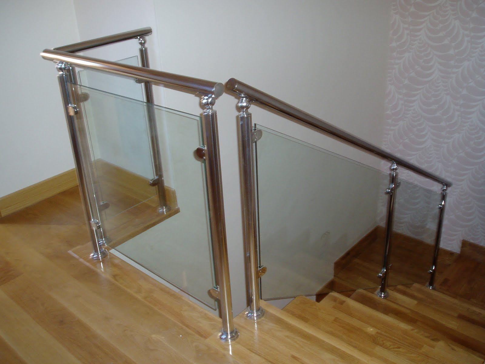 Barandas en acero inoxidable cuadrado y redondo y vidrio for Barandas de vidrio y acero