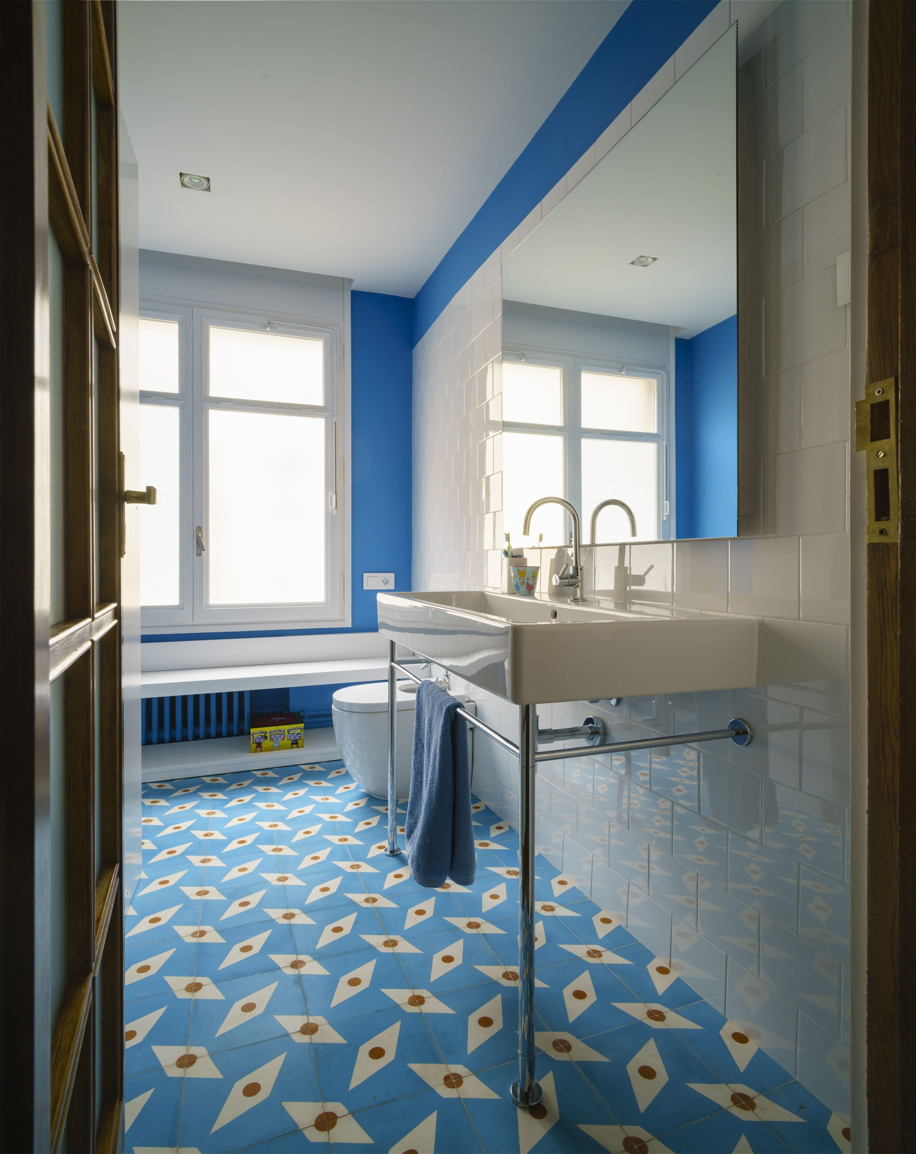 Colorful Refurbishment Kindergarten Bathrooms: Interiorista - Interior Designer