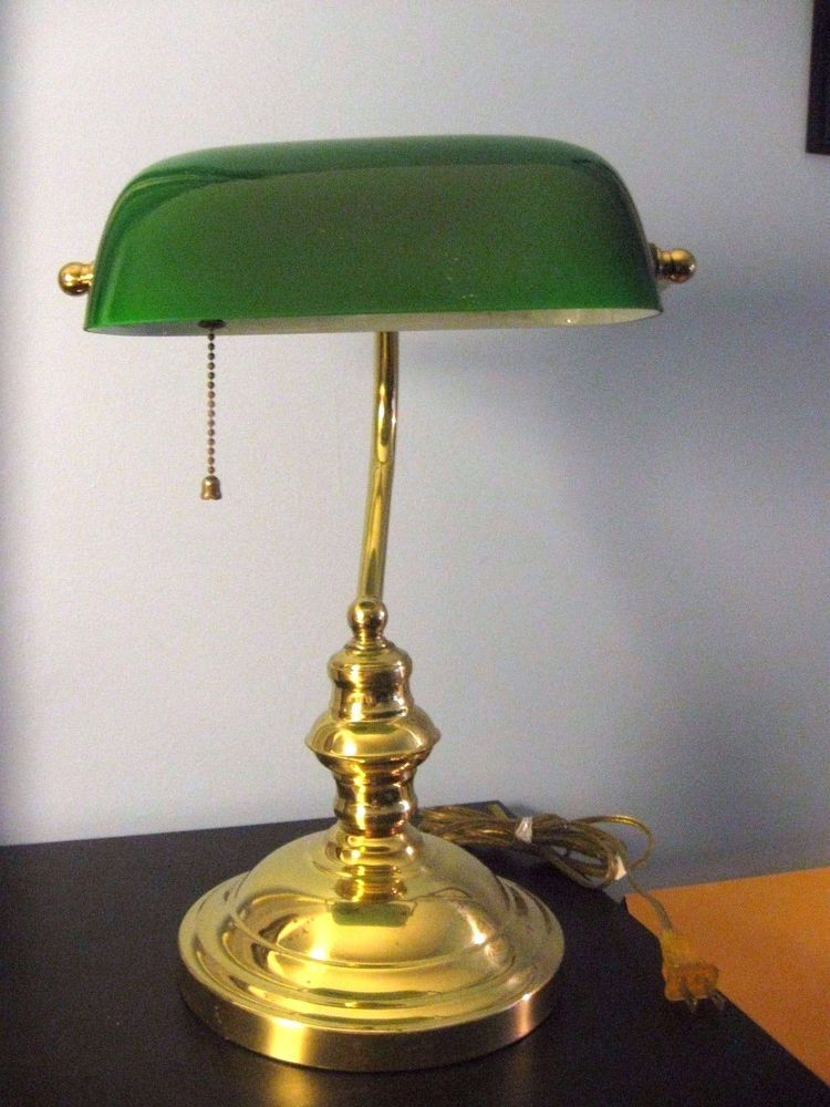 Classic Banker S Lawyer S Desk Table Lamp Vintage Emerald Green Glass Brass Vintage Table Lamp Lamp Table Lamp