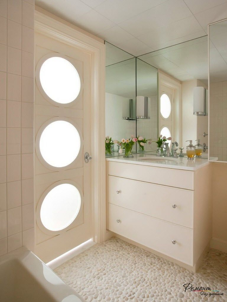 lovely white wooden door with decorative glass circles design for modern bathroom ideas stunning modern bathroom. beautiful ideas. Home Design Ideas