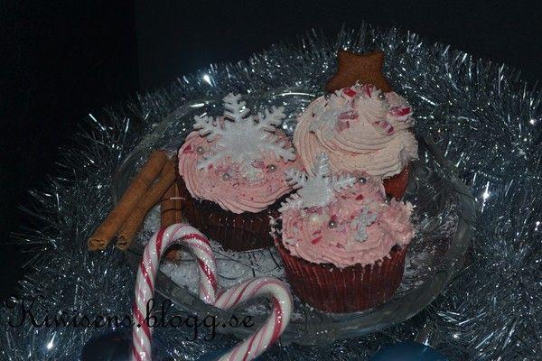 -Christmas cupcakes