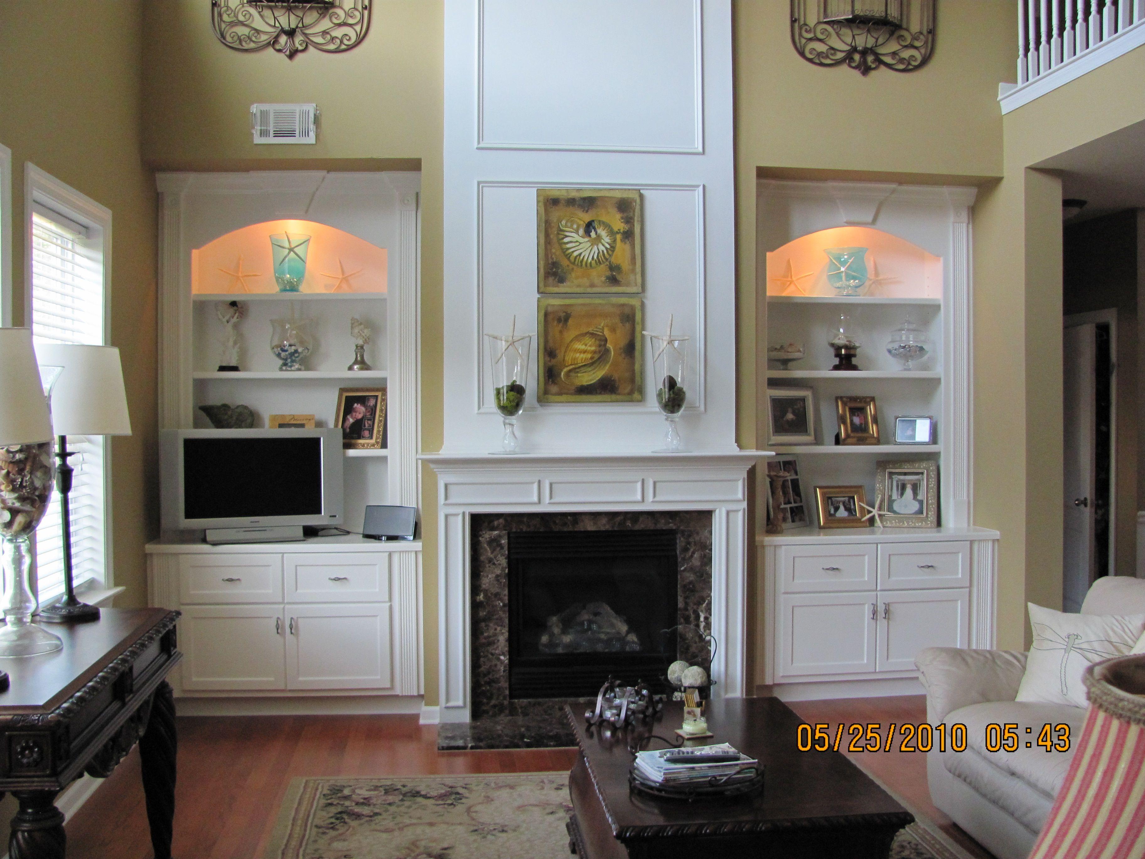 43 Very Inspiring And Creative Bookshelf Decorating Ideas Fireplace Bookshelves Country Fireplace Fireplace Built Ins