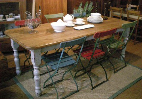 grande et robuste table ancienne de ferme plateau bois. Black Bedroom Furniture Sets. Home Design Ideas