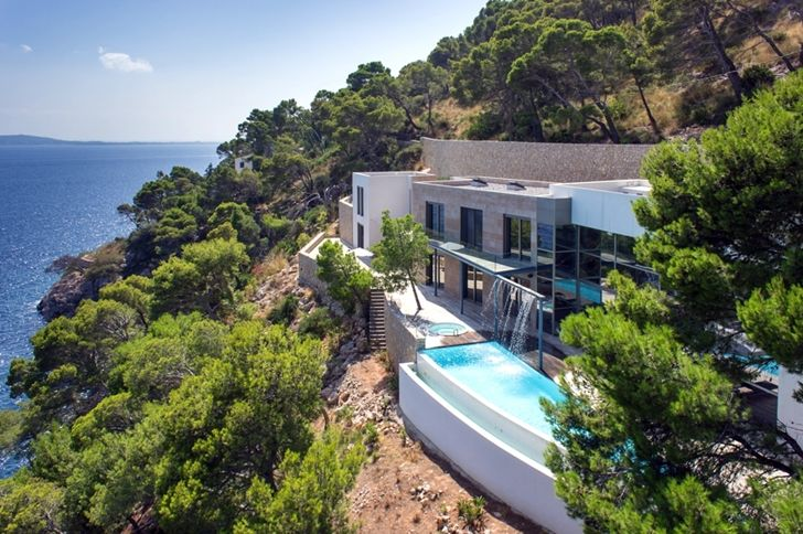 World of Architecture Modern Mansion On The Cliffs Of