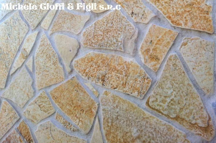 Pietra albanese anticata gialla mosaico spessori vari - Piastrelle tipo pietra ...