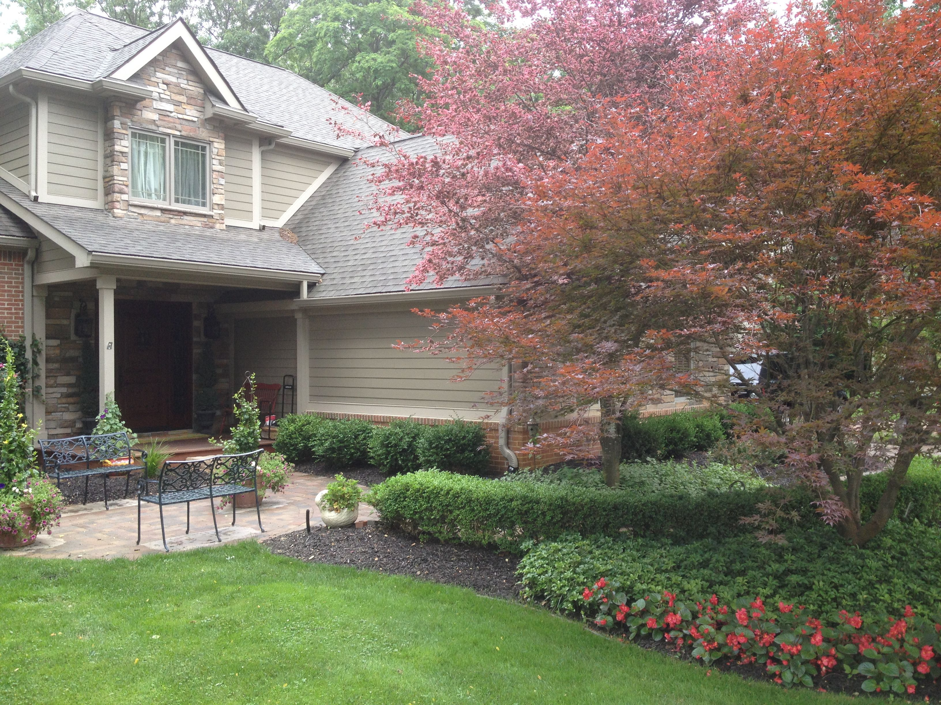 Beautiful Front Yard Patio And Landscaping In Brighton Mi 400 x 300