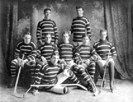 1910McGillUniversityteam.png (425×325)