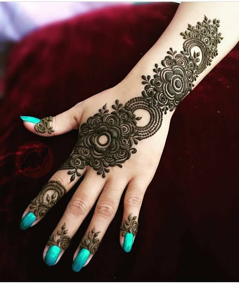 32 Stunning Back Hand Henna Designs to Captivate Mehndi
