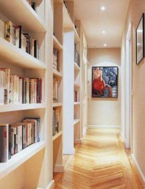 How to decorate a long narrow corridor   Entrée   Décorer un ...