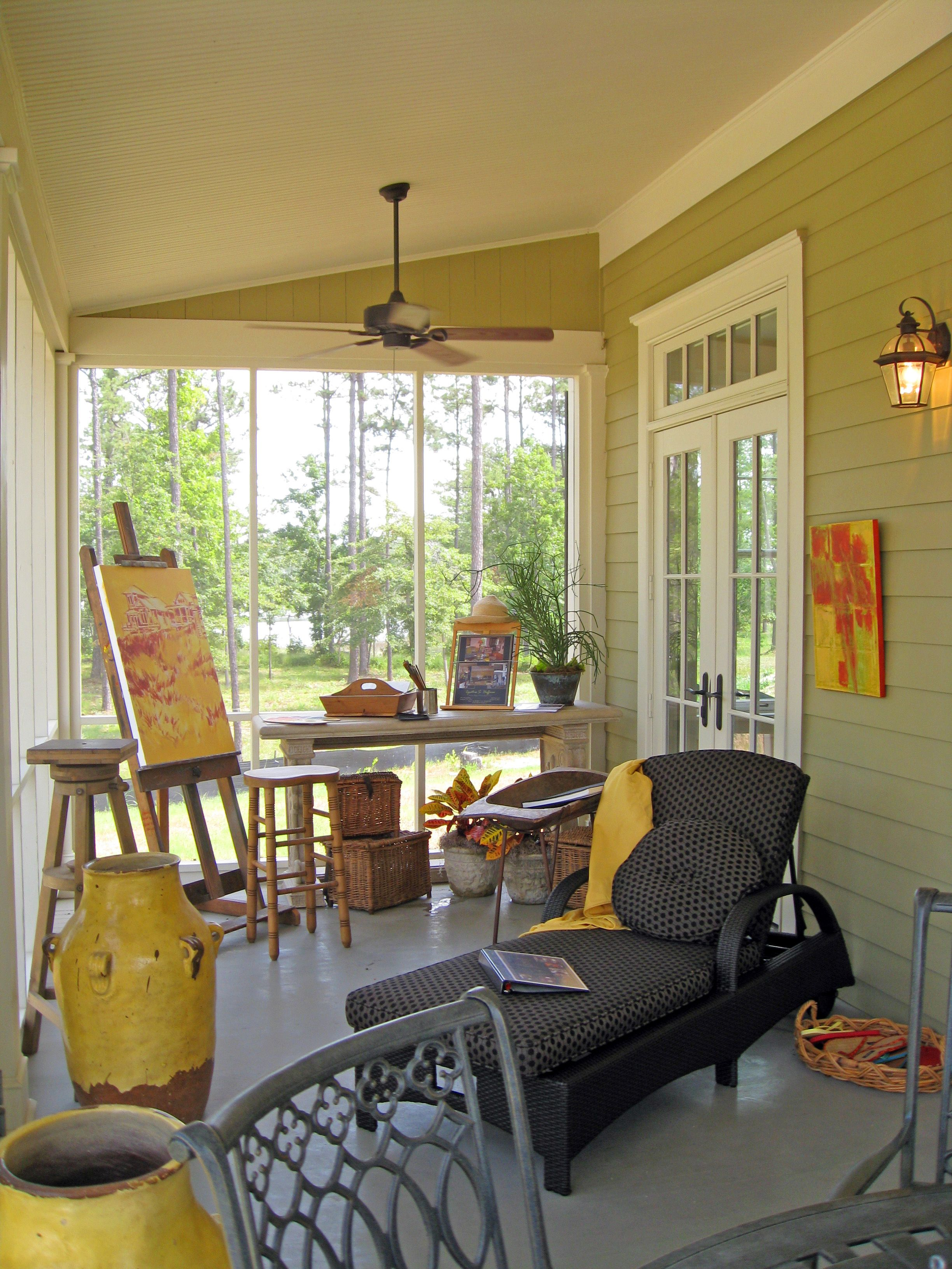 Screen porch Touches of bright yellow (red,blue