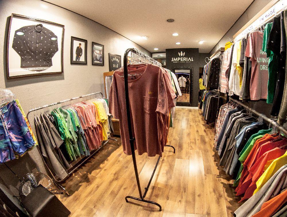 Cambu ganha loja de roupa masculina com conceito lounge for Shop online casa
