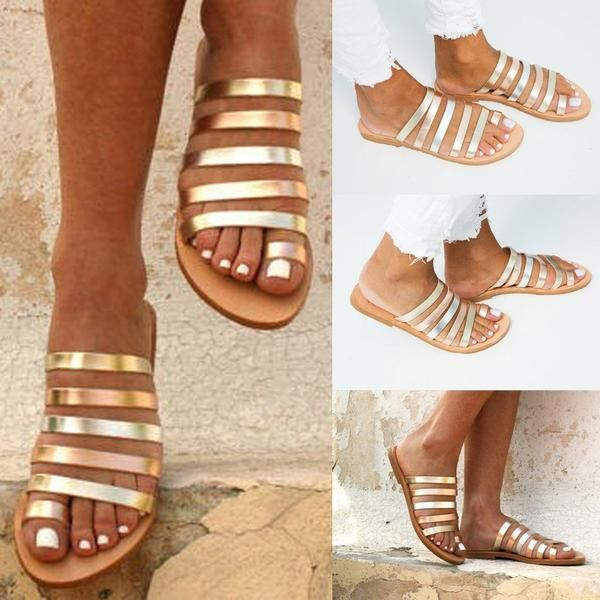 500cce6d45d Gold sandals flat. Gold sandals flat outfit. Flat sandals. Flat sandals  outfit. Flat sandals outfit summer. Summer outfits. Simple sandals.