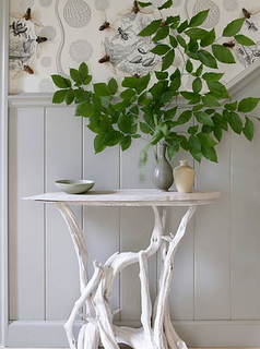 this is beautiful. Love the walls and the table, neutral yet stunning.
