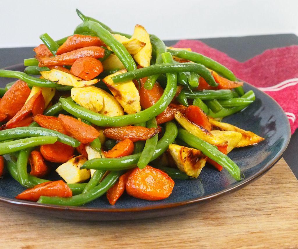 Crisp Green Beans with Roasted Root Vegetables #vegan #side #rootvegetables