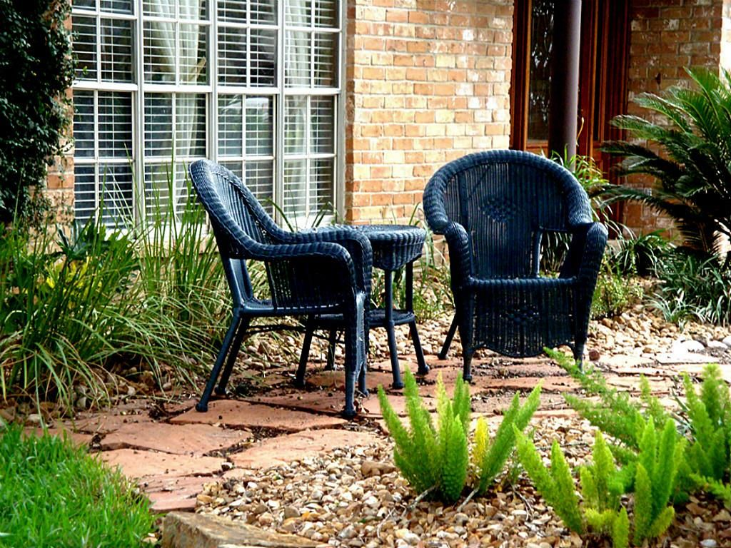 front yard sitting areas - google search | patios and outdoor living