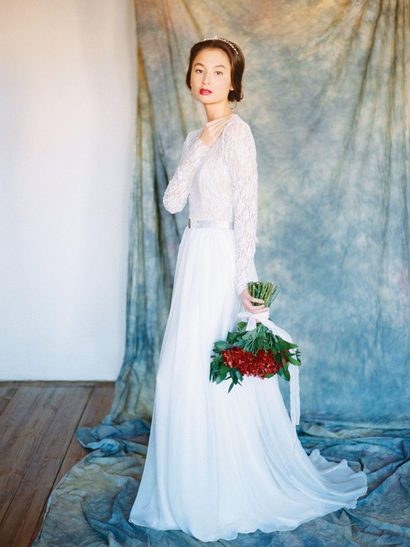 Long sleeve lace wedding dress \