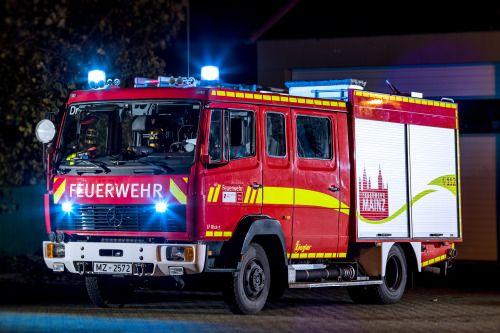 Engine 12 42 With New Design By Design 112 Feuerwehr Feuerwehrauto