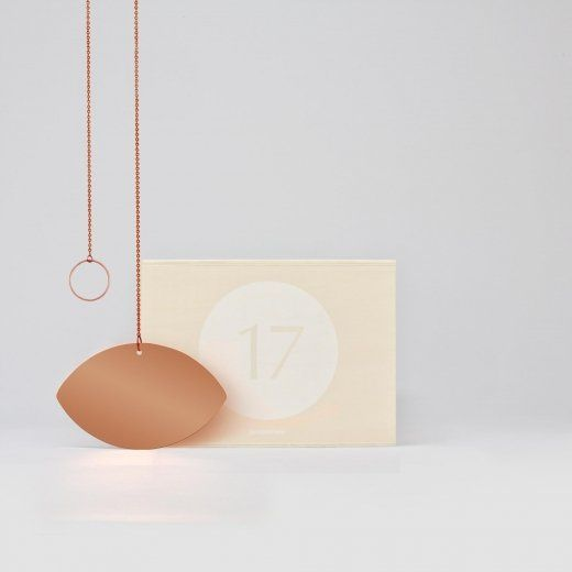 Pour designerbox le designer josé levy a imaginé un miroir en cuivre dans sa box en édition limitée un objet déco pour la maison