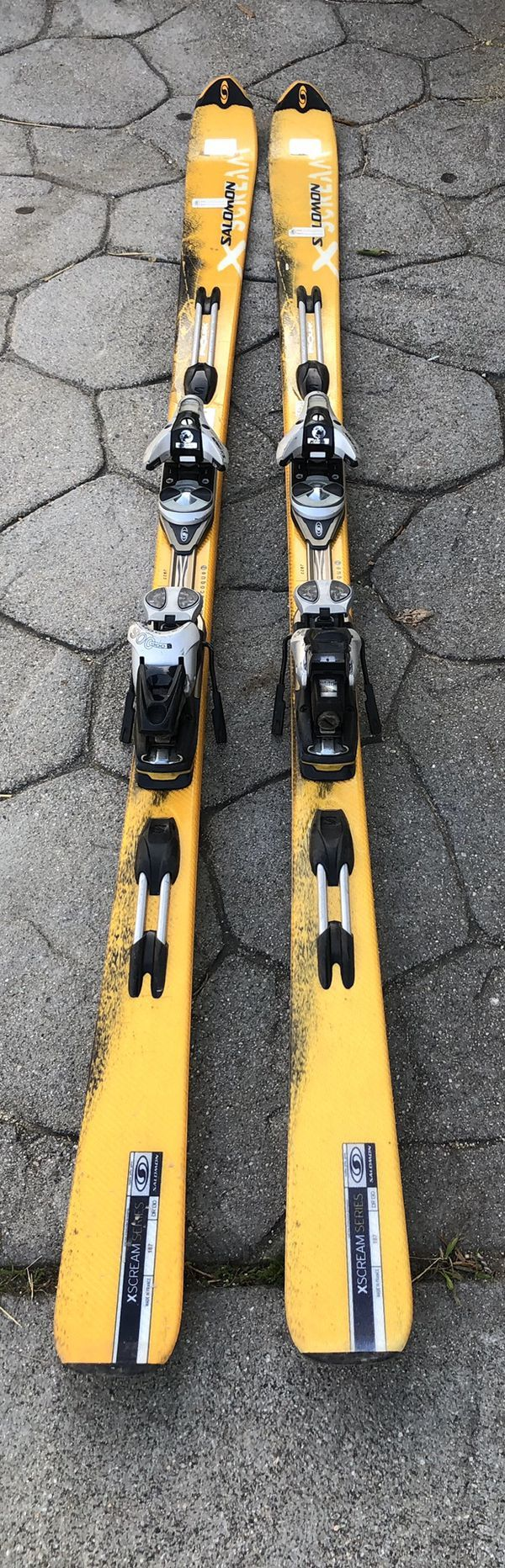 Salomon X Scream Series Monoque Technology Skis With Bindings 187 Dr 130 For Sale In Los Angeles Ca Offerup In 2020 Scream Series Salomon Skiing