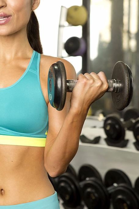 If you're a cardio queen who hasn't heard that the secret to fast weight loss isn't on the treadmill, it's time to step into the weight room.