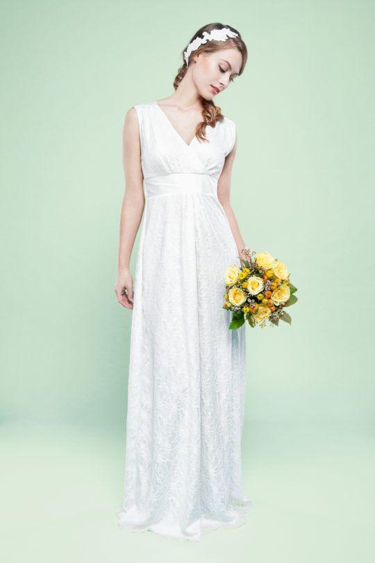 Zartes Spitzenkleid mit Dupionseide | Hochzeitskleider | Pinterest ...
