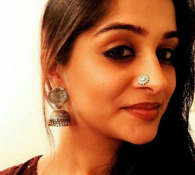 Actor Dipika Kakkar In Macsjewelry Pure Silver Nosepin And