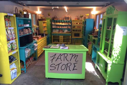 Love Apple Farm, Santa Cruz Apple farm, Colorful shelf