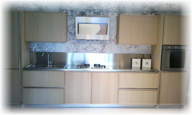 Cucina lineare #DelTongo modello #CretaFrame ante in in legno ...
