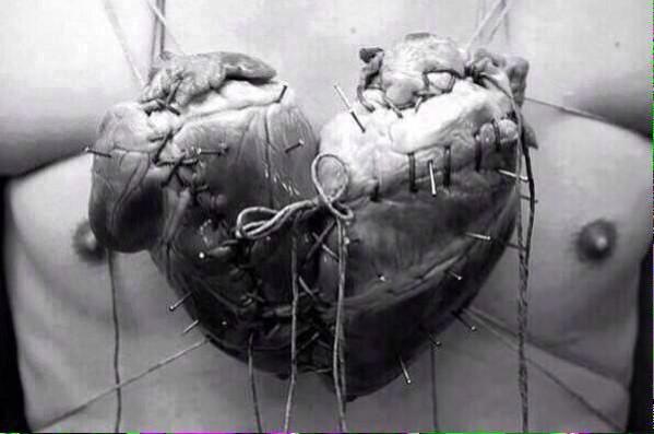 """""""@Foto_Historia: La forma tan conocida del corazón que dibujamos se debe a la unión de dos corazones. """" :')"""