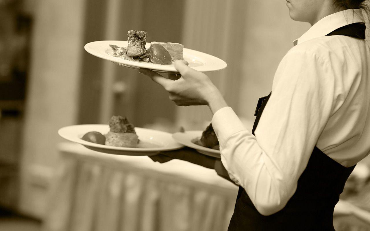 Per poter esercitare la vostra attività nel mondo del settore degli alimentari è necessario: http://magazine.internationalonlineuniversity.it/2017/02/08/requisiti-necessari-imprenditori-nel-settore-alimentare/