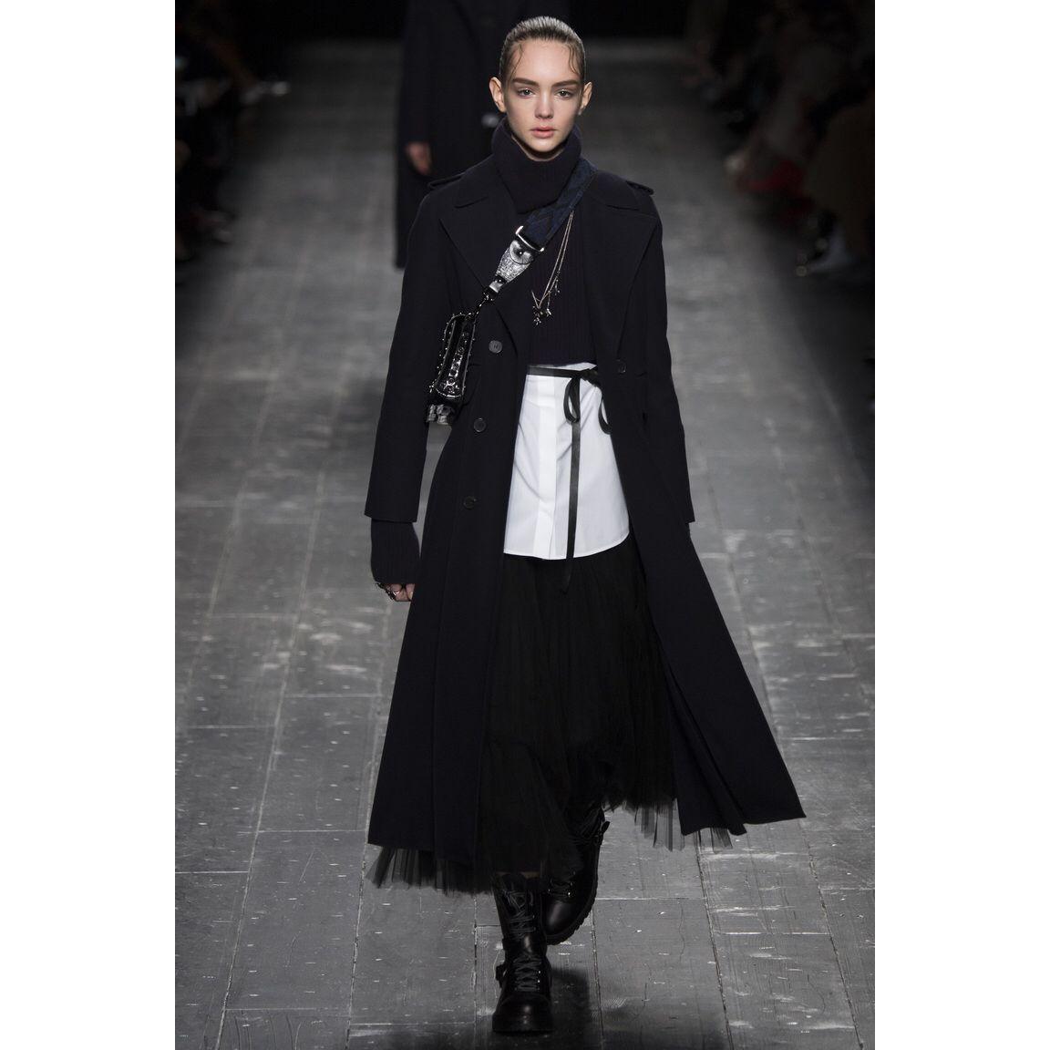 Valentino  #VogueRussia #readytowear #rtw #fallwinter2016 #Valentino #VogueCollections