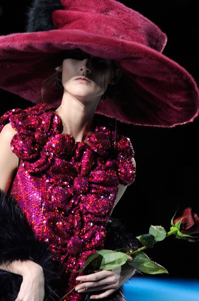 Marc Jacobs 2012 pink hat