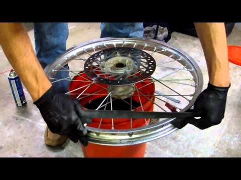 How To Change A Dirt Bike Tire In Minutes Dirt Bike Tires Dirt