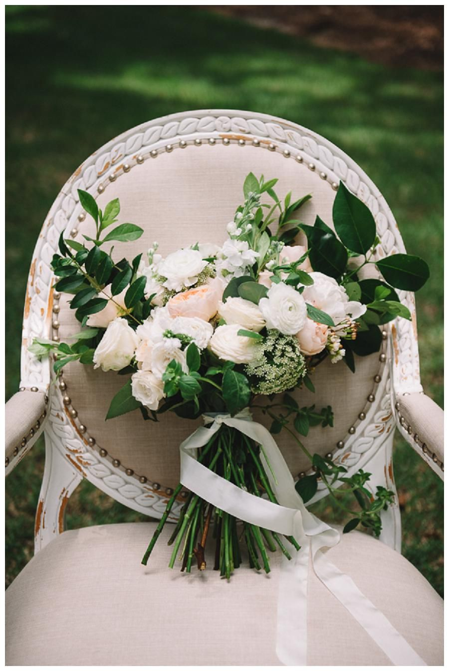 Bouquet of soft blush and peach blooms by Stephanie Gibbs Events, image by Jennings King Photography.