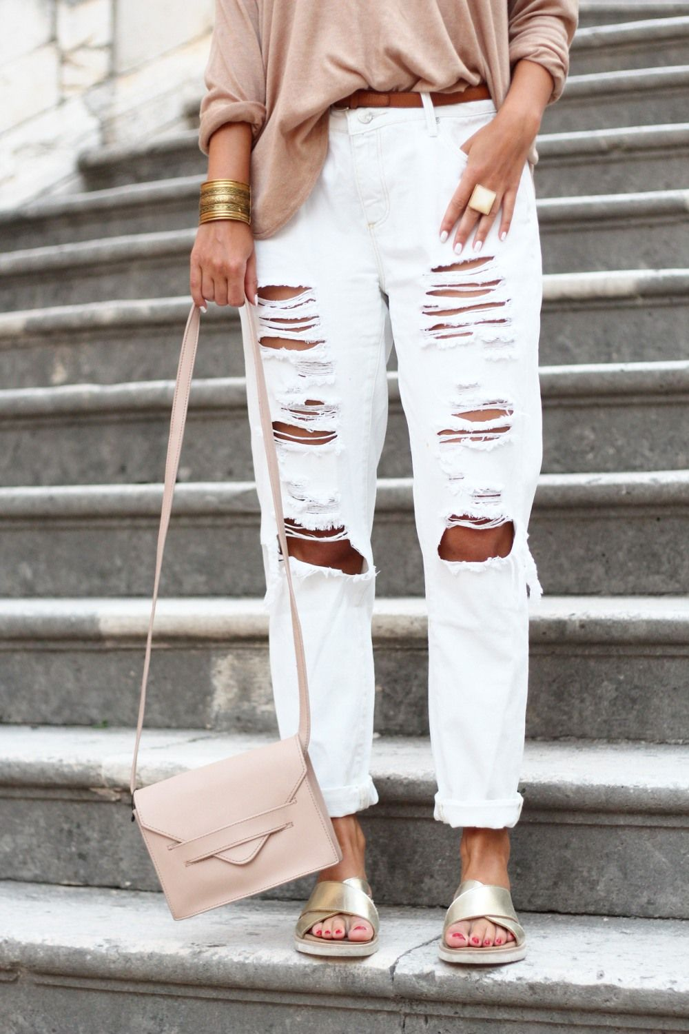 Beige Oversized Sweater White Ripped Boyfriend Jeans JustFab H&M ...