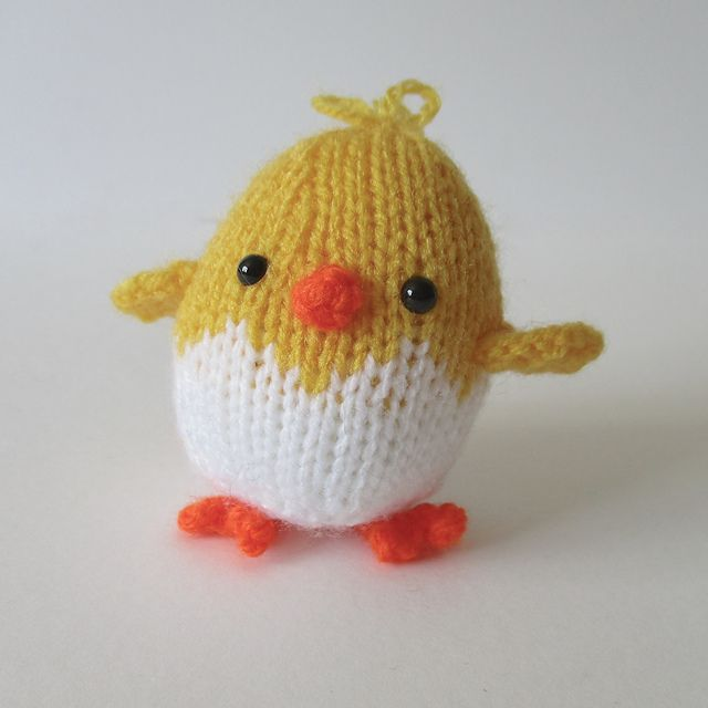 Ravelry: Eggy Chicks pattern by Amanda Berry
